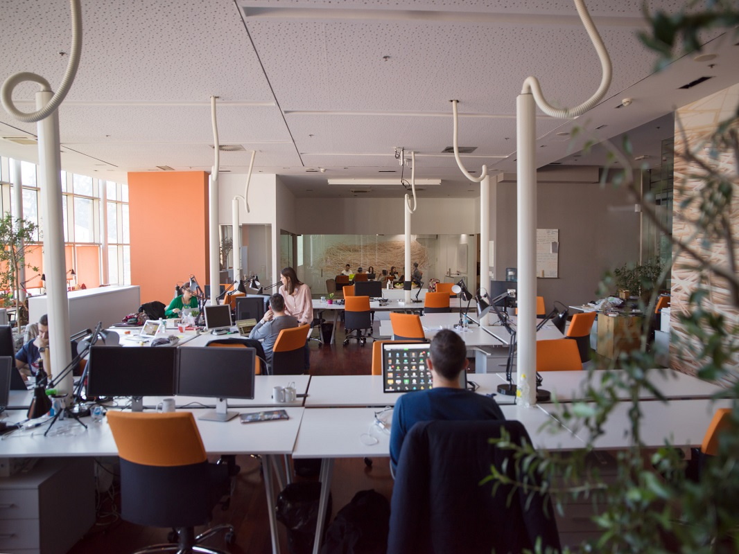 "If you've ever wondered ""How does a coworking space work?"" then you are not alone. Find out how flexible coworking spaces operate here!"