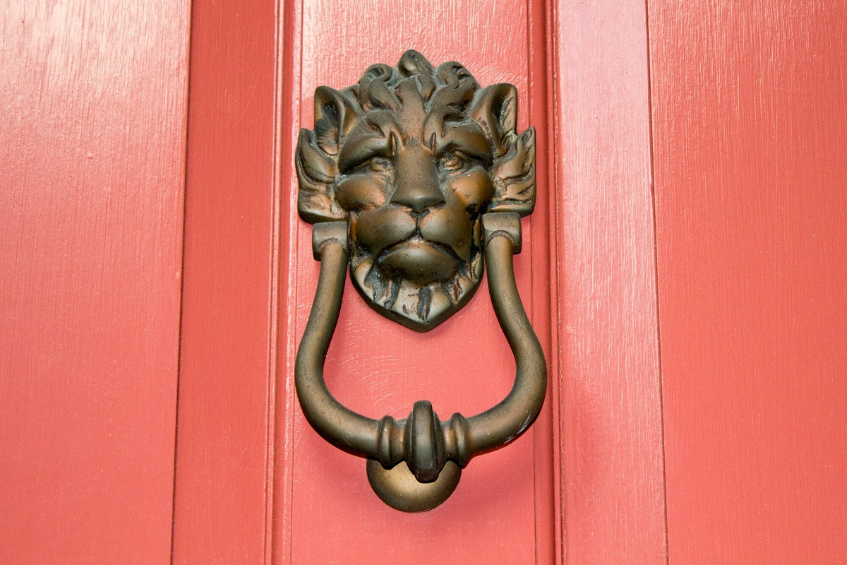 From gothic to modern, a door knocker adds a statement feature to your home's entrance. Check out our top picks for unique door knockers for your front door.