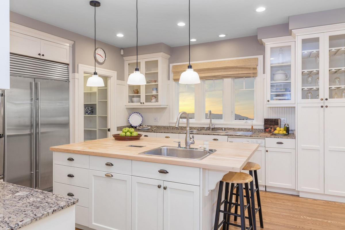 Are you ready to update your outdated kitchen? Here are the latest kitchen design trends that home owners are in love with in 2021.