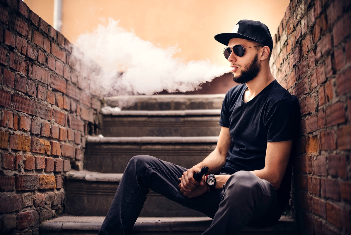 You may not be experiencing vaping to its fullest! Let's fix that by going through this list of five vape pen tips that'll have you vaping like a pro.
