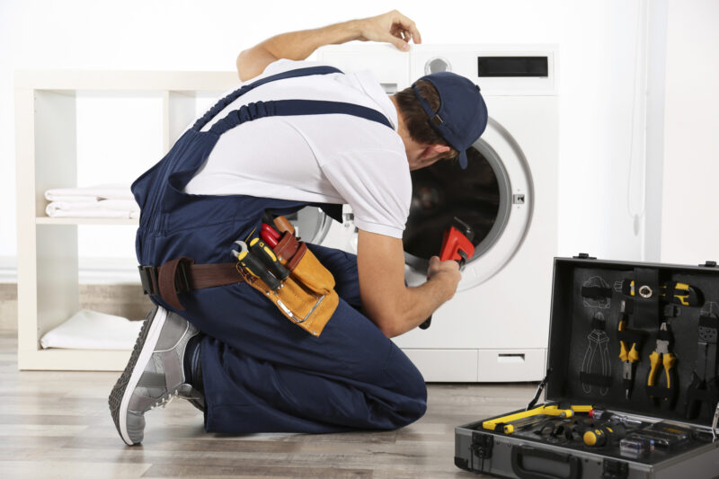 Why does washing your clothes produce puddles of water on the floor? Your washer may have issues—click here to diagnose your leaking washing machine.