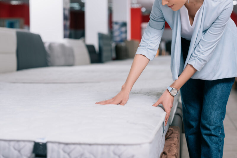 Overwhelmed by all the types of mattresses out there? If you need some help figuring out which one is right for you, you're in the right place!