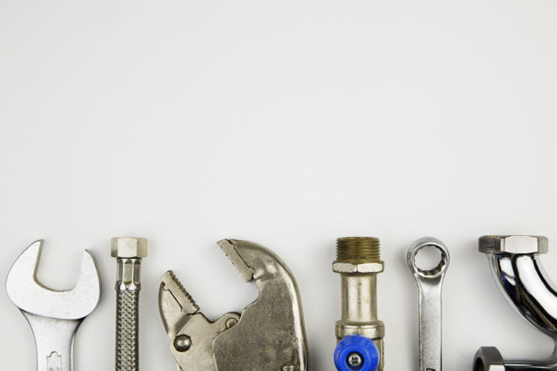 It is important to take care of any plumbing issues before they turn into bigger problems. Here are 5 signs that you need to call a plumbing service.