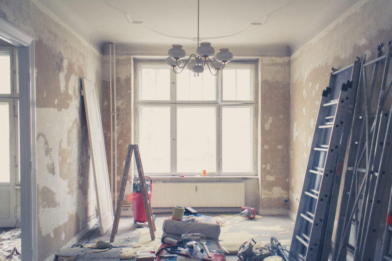Your home doesn't have to be flawless to be sold. Here are some expert tips and tricks for selling a house in poor condition.