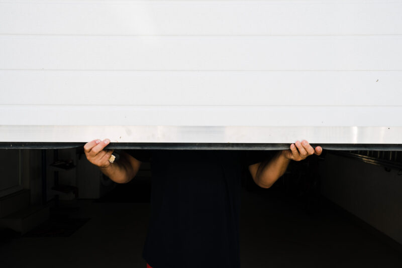 Are you wondering whether your garage door is working properly? This list of common garage door problems can help you identify what's wrong.