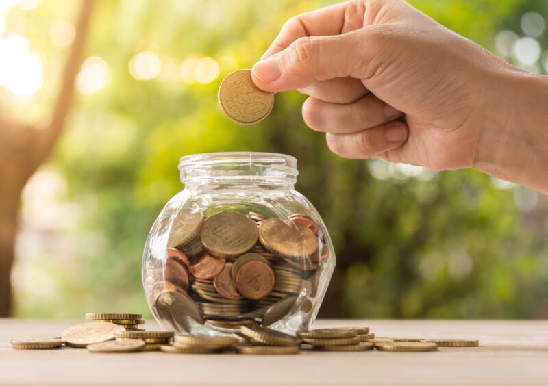 Hit those savings targets faster everyday with these great money saving ideas. Read how to save money faster, from grabbing the deals, to a budget that works